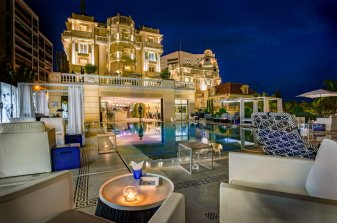 LuxeGetaways - Luxury Travel - Luxury Travel Magazine - Luxe Getaways - Luxury Lifestyle - 18 Nighttime Travel Experiences - Hotel Nighttime Experiences - Hotel Metropole - Odyssey