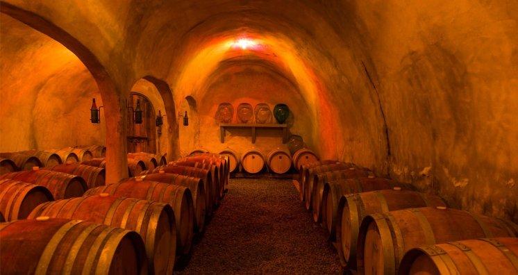 LuxeGetaways - Luxury Travel - Luxury Travel Magazine - Luxe Getaways - Luxury Lifestyle - Colorado Wine Harvest - Winery - Colorado Wine Festivals
