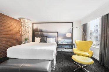 LuxeGetaways - Luxury Travel - Luxury Travel Magazine - Luxe Getaways - Luxury Lifestyle - Catherine Maisonneuve - Seattle Washington, Seattle Hotels - Motif - Guestroom