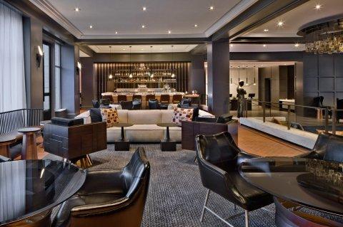 LuxeGetaways - Luxury Travel - Luxury Travel Magazine - Luxe Getaways - Luxury Lifestyle - Hilton - Curio Collection - Curio DNA Gene Quiz - Curio by Hilton - The Logal Lobby