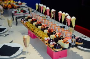 LuxeGetaways - Luxury Travel - Luxury Travel Magazine - Luxe Getaways - Luxury Lifestyle - Fall/Winter 2017 Magazine Issue - Digital Magazine - Travel Magazine - London - Afternoon Tea London - Eric Lanlard - Cake Boy