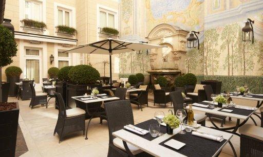 LuxeGetaways - Luxury Travel - Luxury Hotels - Castille Paris, Italian hoteliers Starhotel Collezione