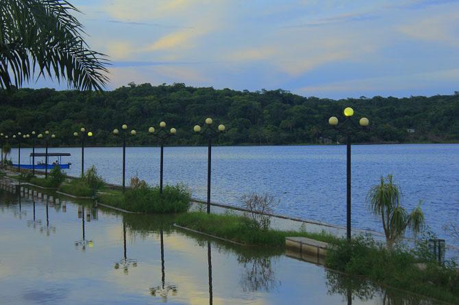 Flores An Island Within Lago de Petén Itzá 4