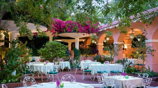 Top 10 Luxury LA Hotels for Summer The Beverly Hills Hotel
