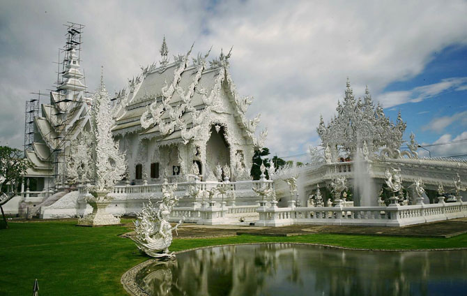 Top 10 Magnificent Temples in Asia Wat Rong Khun Chiang Rai Thailand