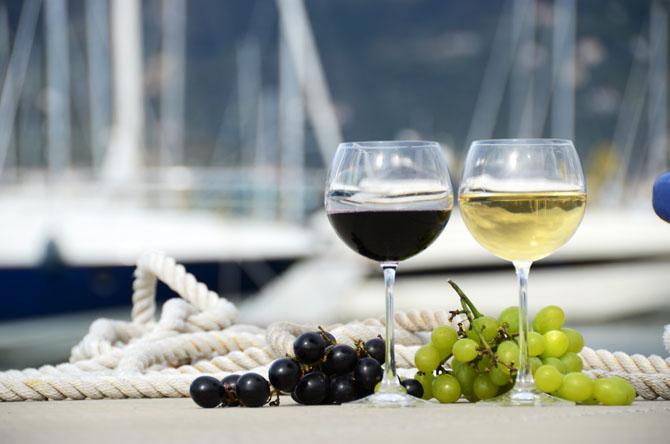 Top Ten Superyacht Marinas in the Med Restaurant
