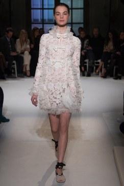 giambattista-valli-spring17-couture-yannis-vlamos-indigital-the-luxe-lookbook7