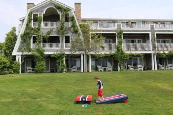 Lawn games at the Winnetu
