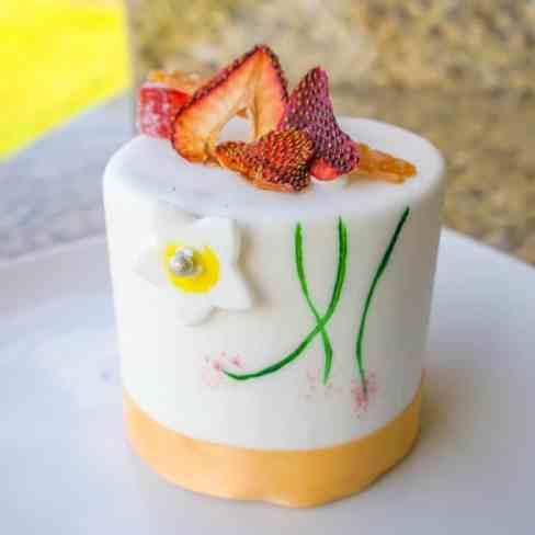 Amorrette's Patisserie Mini Cake