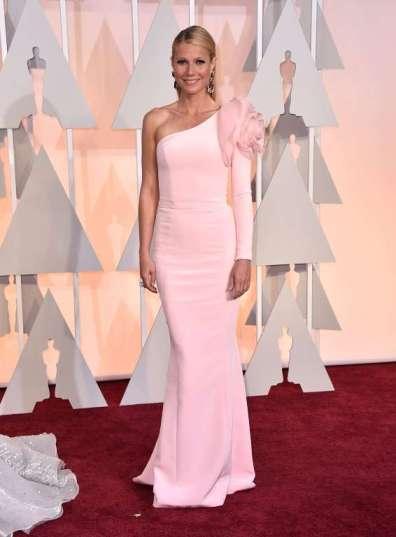 Gwyneth Paltrow chọn đầm hồng Ralph and Russo...