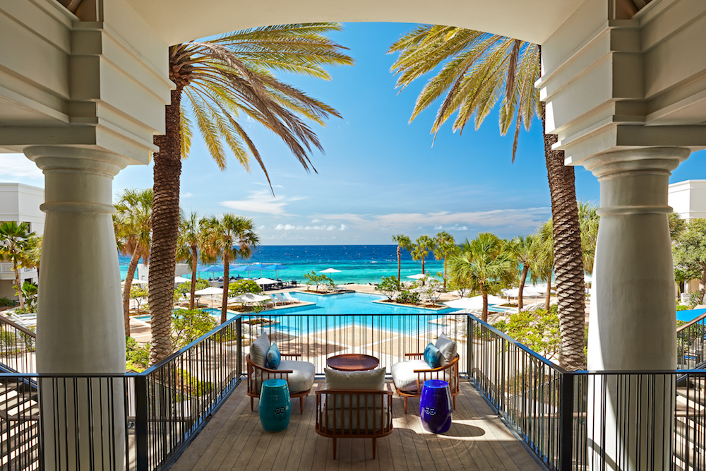 2021 Hotel Romance Packages for Unabashed Romantics
