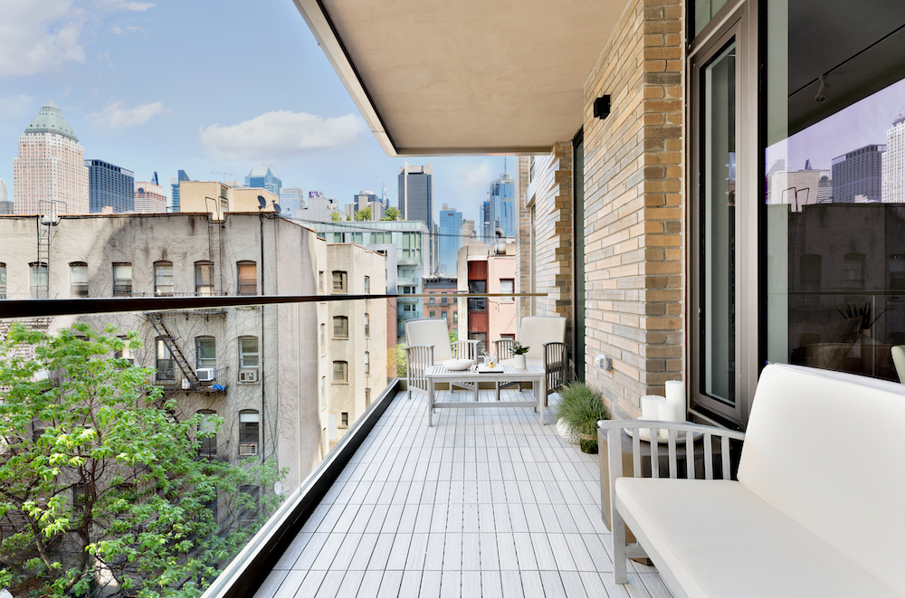 Residents of 505 West 43rd Street Unit Can Enjoy Access to Hotel-Like Amenities