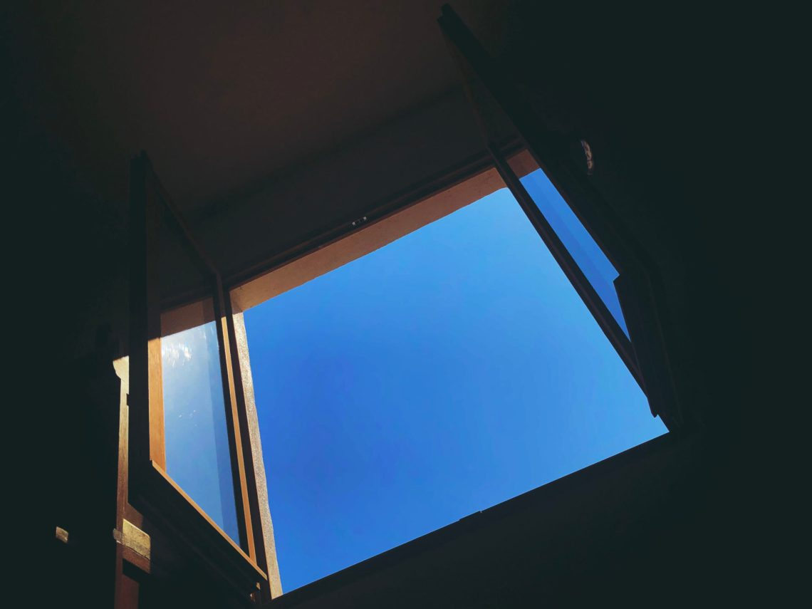 ennui fenêtre ouverte