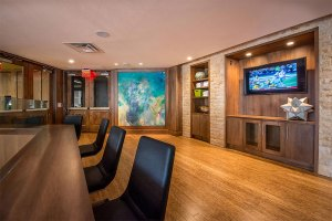 Common Room at The Taylor Apartments in Uptown Dallas TX Lux Locators Dallas Apartment Locators