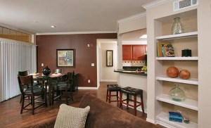 Dining Room Bar at Riviera at West Villiage Apartments in Uptown Dallas TX Lux Locators Dallas Apartment Locators