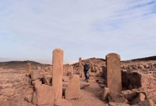 Photo of Ministry of Antiquities launches 2nd phase of project to document rock inscriptions in S. Sinai