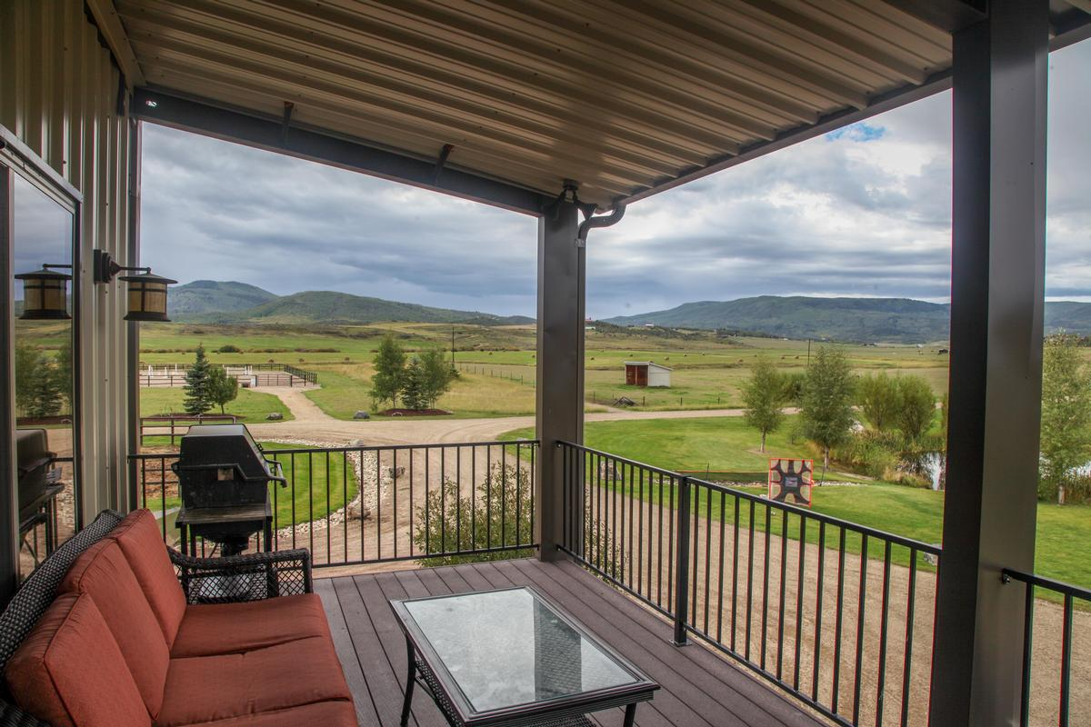 STEAMBOATS TOY AND HORSE BARN  Colorado Luxury Homes