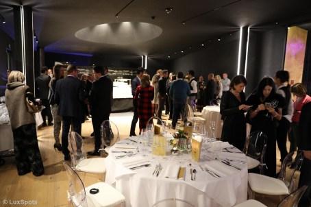 Stehempfang mit Champagner beim Exclusive Dinner Chris & Friends in Toblach
