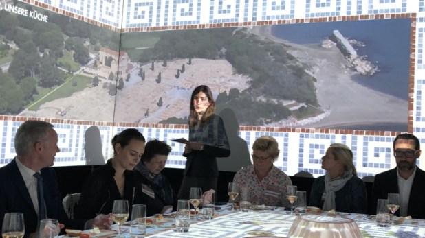 Frau berichtet über Kultur und Kulinarik in Katalonien beim TastEmotion 2018