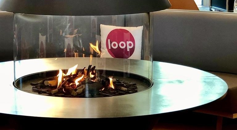 Kamin mit loop-Kissen in Andermatt