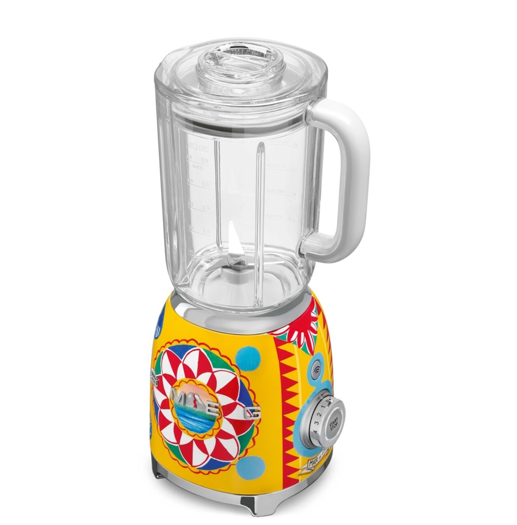 mark captain review Dolce Gabbana X Smeg Blender