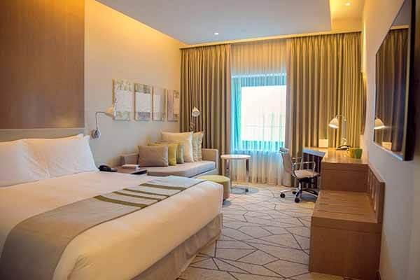Holiday Inn Dubai Festival City, Room - Luxuria Tours & Events