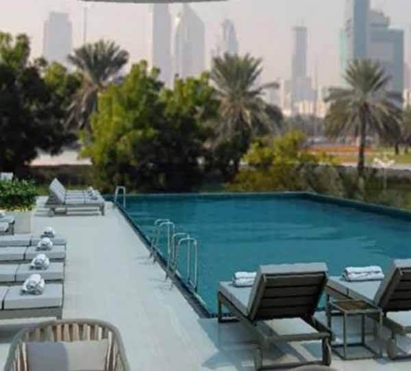 Holiday Inn Dubai Festival City, Swimingpool - Luxuria Tours & Events