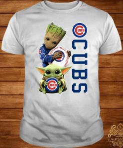 Baby Groot And Baby Yoda Hug Chicago CUBS Shirt