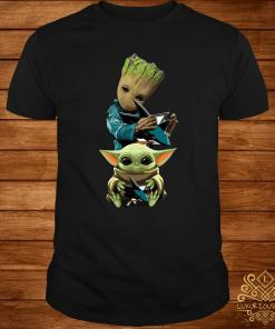 Baby Groot And Baby Yoda Hug Philadelphia Flyers Shirt