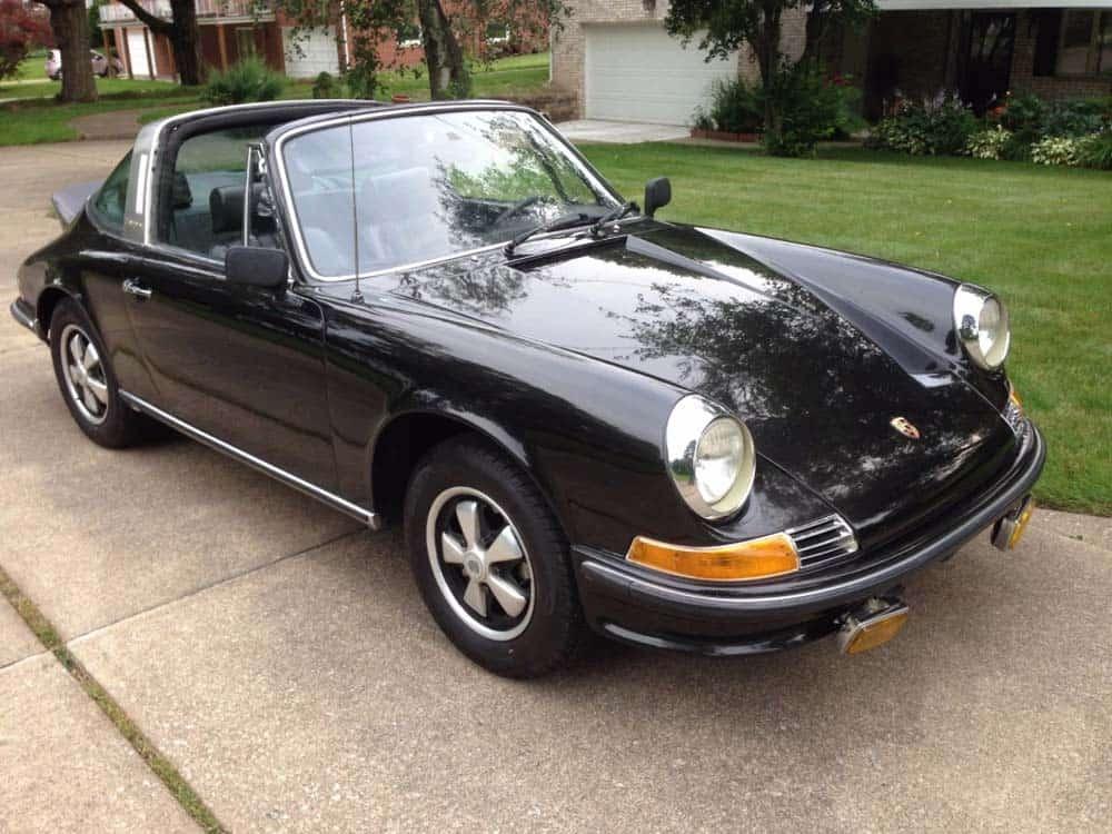Porsche-911-targa-from-1970-Black