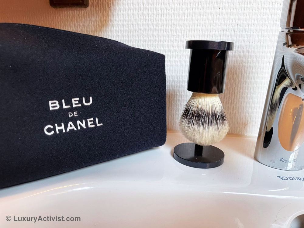 bleu-de-chanel-shaving-kit-details