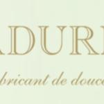 laduree-logo-macarons