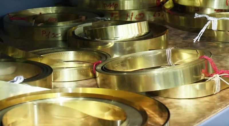 Fiedler-SA-watch-hands-metals