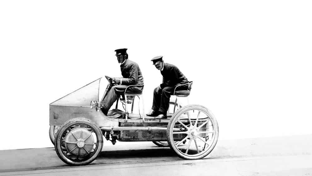 Lohner-Porsche-hybrid-engine