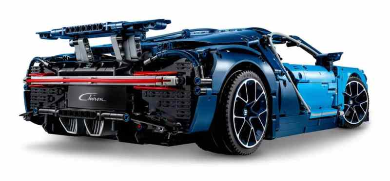 LEGO-Technic-Bugatti-Chiron_back