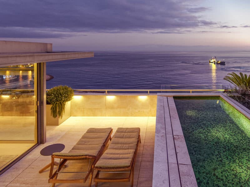 Monaco-Larvotto-Penthouse-Upper-living-with-art-67