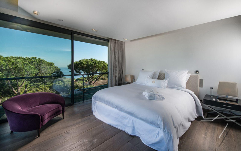 ST-TROPEZ-bedroom-luxur-villas