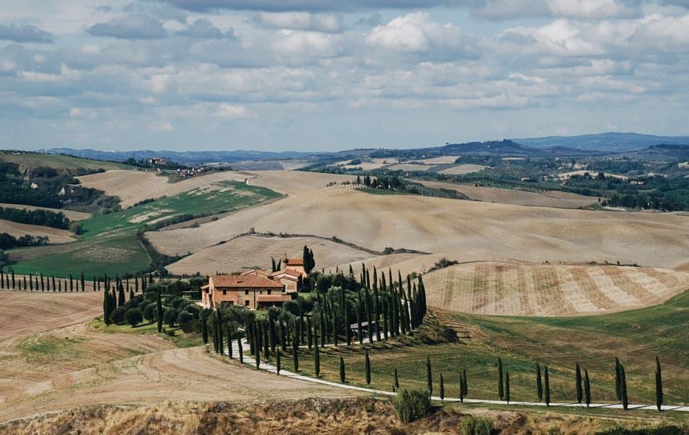 tuscany-luxury-farmhouse
