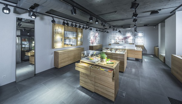Victorinox-Flagship-Zurich-Knife-floor