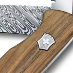 Victorinox-Rangerwood-damast-steel-detail-2