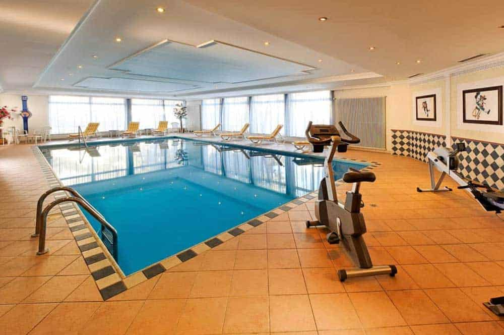 eurotel-victoria-les-diablerets-swimming-pool