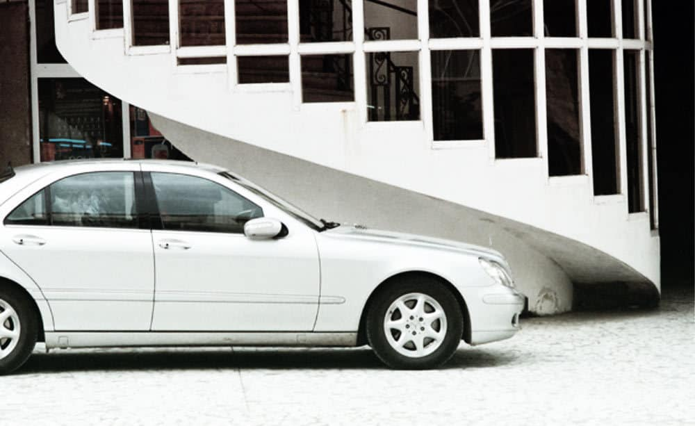 tips-to-hire-a-car-abroad