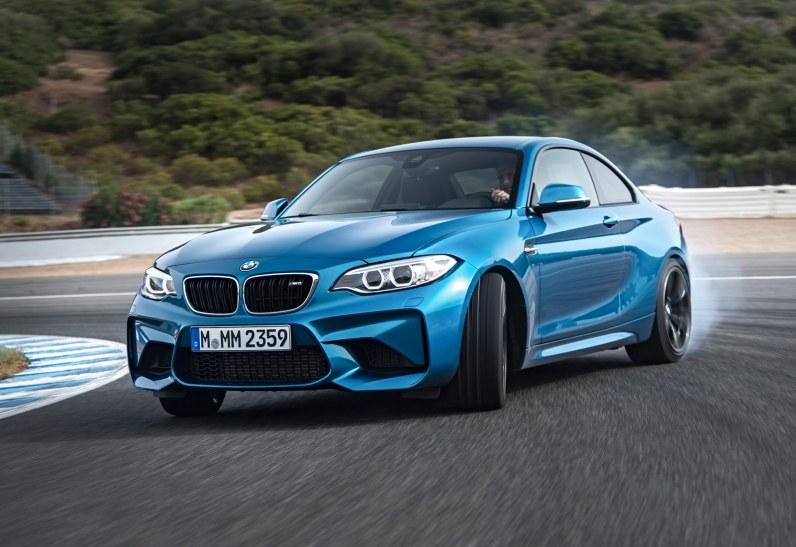 Med 370 hestekræfter og teknik fra motorsportsafdelingen er BMW M2 garanti for en suveræn køreoplevelse. Og så er den tilmed en halv mio. kr. billigere end en M4!
