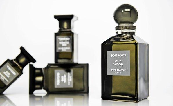 Oud Wood fra Tom Ford Private Blend Colletion gør brug af en af parfumeverdenens mest værdifulde noter. En meget karakteristisk forførende, blød og maskulin duft. Pris fra 1.425 kr.