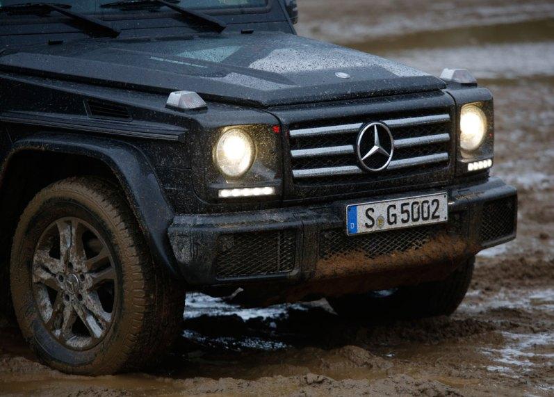 Det varer ikke længe, før vores blankpolerede G 500 ser ud, som om den bør se ud — med mudder op ad siderne.