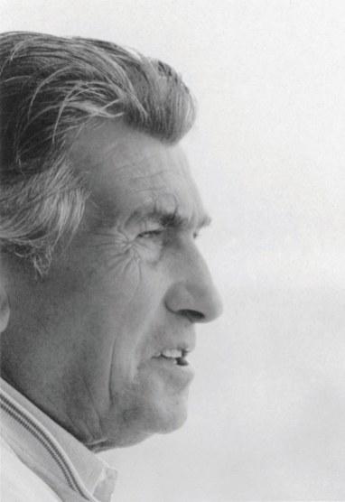 Ferruccio Lamborghini selv var ikke selv nogen stor racerkører – han deltog i landevejsløbet Mille Miglia i 1948, men måtte udgå, da han tabte herredømmet over sin hjemmebyggede bil og baldrede gennem ruderne i en restaurant i en landsby nær Torino.