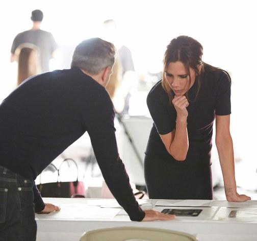 Victoria Beckham har som designer en sikker stil og har i dag skabt et modeimperium med over 400 butikker i 60 lande.
