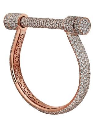 Jacob & Co.'s 'Estribo'-halsring af 18 karat rosa guld med 1.654 farveløse diamanter (i alt 65.15 carat), 1,354 mio. kr.