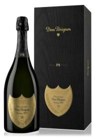 Modning er en unik proces, hvor champagne undergår en metamorfose. Dom Pérignon 'vintage-only'-champagner udvikles gennem en serie trin, som kaldes plénitudes og betegner de øjeblikke, hvor vinen når nye højder og udvikler ny smag. Efter langsom aldring i champagnehusets berømte kældre har Dom Pérignon 1971 nu nået tredje plénitude. Smagen har noter af frugt og krydrede aromaer, mens eftersmagen er elegant og med nuancer at røget træ. Dom Pérignon P3 Plénitude Troisième, forhandles hos udvalgte specialister.
