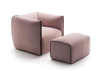 Blød, lækker og yderst komfortabel lænestol med karakteristisk udtryk. En fin detalje er lynlåsens farve, som skaber en kontrast til stolens betræk og samtidig definerer armlænets form. Mdf Italia Mia med puf, 23.190 kr.